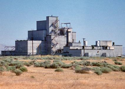 One of the buildings at the Hanford Nuclear Site (Fred Dawson | flickr)