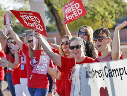 Teachers turn out #RedForEd in Phoenix