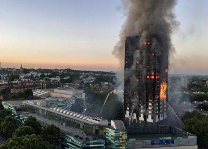 A deadly inferno consumes Grenfell Tower in London (Natalie Oxford | Wikimedia Commons)