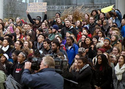 Students at Loyola University rally in solidarity with the Mizzou football team's strike against racism (The Loyola Phoenix)