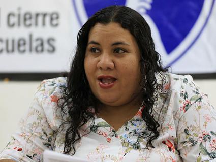 Mercedes Martínez of the Federación de Maestros de Puerto Rico