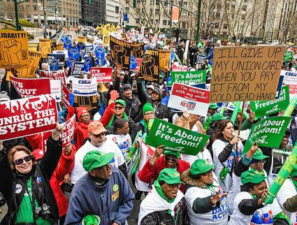 Thousands rally in New York City to resist the attacks on public-sector unions (nylecet | Facebook)