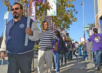 City workers walk the picket line in Oakland, California (SEIU Local 1021 | Facebook)