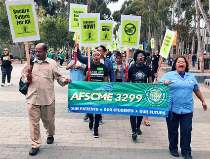 Dining hall and service workers at UC Berkeley rally for a fair contract (AFSCME 3299 | Facebook)