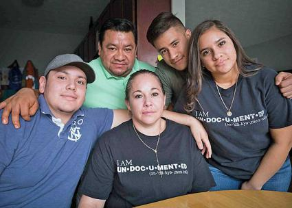 Edith Espinal (center) and her family are fighting the deportation machine in Columbus, Ohio (Ohio Interfaith Immigrant Justice Coalition | Facebook)