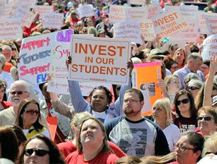 Teachers rally for our schools in Oklahoma