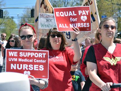 Nurses in Burlington, Vermont, on the march for a fair contract (Tula Adie)