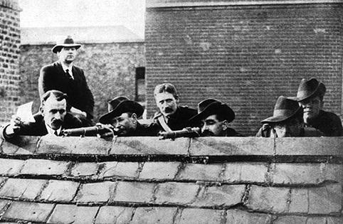 Irish rebels defend Dublin during the Easter Rising