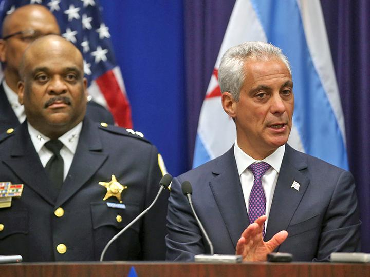Chicago Mayor Rahm Emanuel (right) and Police Superintendent Eddie Johnson