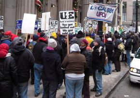 Hundreds of people rallied in support of Republic workers outside the Bank of America in downtown Chicago