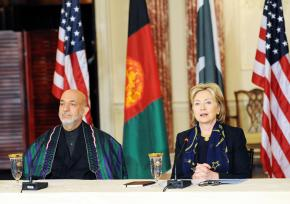 Afghan President Hamid Karzai faces difficulty getting re-elected