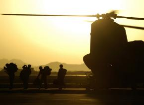Soldiers getting off a Chinook helicopter in Kandahar