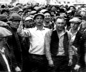 ILWU strikers escort a scab off the docks during the 1934 San Francisco general strike