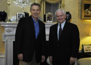 British Prime Minister Tony Blair meets with U.S. Secretary of Defense Robert Gates in 2007