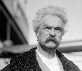 Mark Twain, photographed in 1909