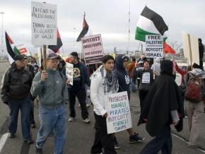 Palestinian rights supporters successfully picketed the Oakland docks and prevented an Israeli ship from being unloaded