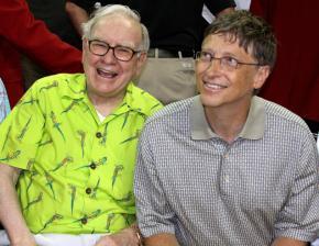 Philanthrobbers Warren Buffett and Bill Gates enjoy the U.S. Olympic basketball team play an exhibition game