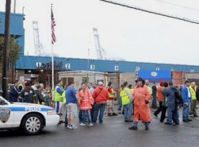 Longshore workers shut down the Port of New York/New Jersey