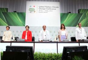 The opening panel discussion at the COP16 UN summit on climate change in Cancún