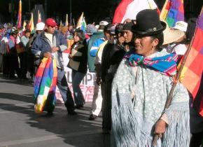 Protesters on the march through LaPaz in 2005