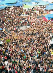 """Massive crowds have joined the demonstrations for """"real democracy now"""" in Madrid"""