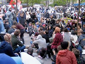 Wall Street occupiers gather for a general assembly