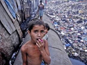 Kids living in the slum of Dharavi outside Mumbai