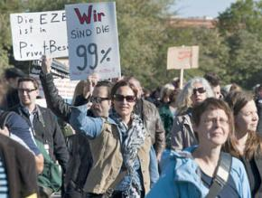 Protesters marching at Occupy Berlin