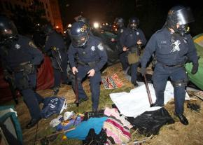 Oakland police rampage through the occupiers' encampment