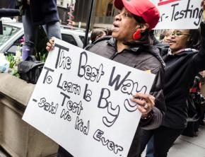 Teachers, parents and students march against the school deform agenda in Chicago