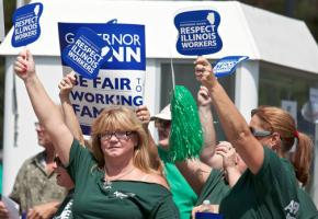 AFSCME workers in Illinois rally to defend their pensions