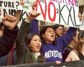 Protesters march against the Keystone XL pipeline