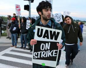 Graduate employees and their supporters picket at UC Santa Cruz during their two-day strike