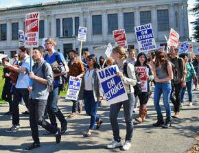 UC grad employees on the picket line in Berkeley during a two-day strike