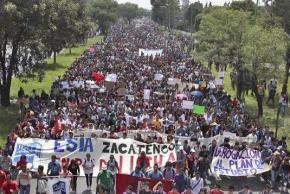 "Students from the National Polytechnic Institute join in a mass march against neoliberal ""reform"""