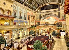 An opulent shopping mall in Dubai