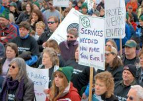 VSEA members protest Gov. Peter Shumlin's drastic budget cuts