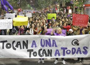 Thousands march in Montevideo, Uruguay in solidarity with the demonstrations in Argentina