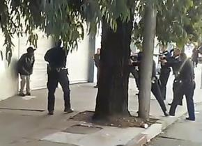 Mario Woods cornered by San Francisco police