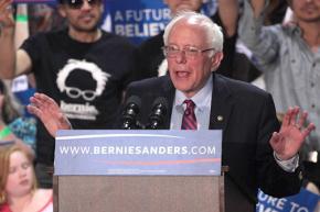 Bernie Sanders campaigning in Phoenix