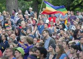 Vigils in memory of the murder victims in Orlando took place around the country