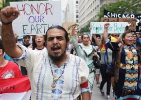 Protesters in Chicago take to the streets against the Dakota Access Pipeline