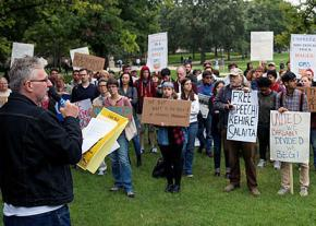 Bill Mullen (left) addresses a rally for free speech at the University of Illinois at Urbana-Champaign