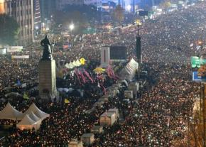 Masses of people in the streets of South Korea to demand the president's resignation
