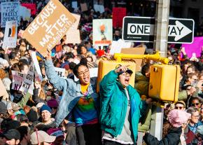 Hundreds of thousands stand up for women's rights in New York City