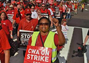 Striking Verizon workers take to the streets of Manhattan in 2016