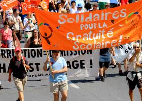 Supporters of Québec Solidaire on the march in Montreal