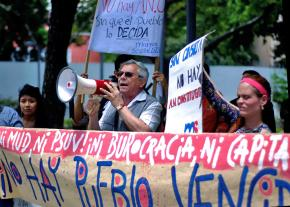 Socialists mobilize for a protest in Caracas