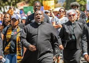 Anti-racists take the streets in Berkeley to challenge the far right