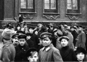 Moments after the capture of the Winter Palace in Petrograd